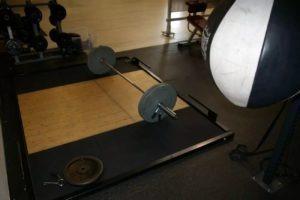 barras y pesas para halterofilia gimnasio cerca de Fuente el Saz o alrededores.